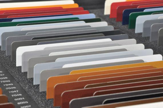 Bildrechte: ROMA / Dachfensterrollladen Farbtrend